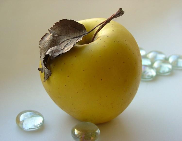 Яблоко содержит 47 пестицидов
